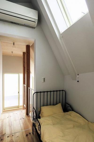 子供部屋 (宝塚の家:地下1階地上3階建て スキップフロア)