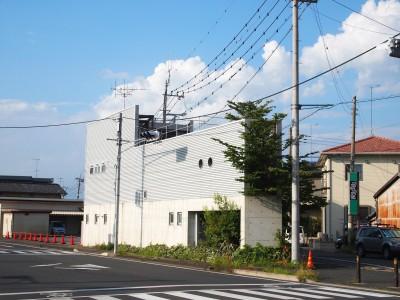外観|三角地いっぱいに建つ (三角地で開放的に暮らす家|K HOUSE)