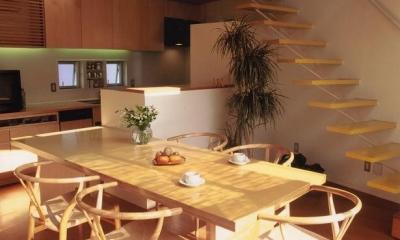 リビング・ダイニング・キッチン|三角地で開放的に暮らす家|K HOUSE