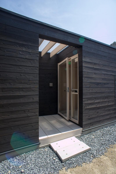 玄関ポーチ (タテカグの家 -建築・内装・家具のトータルデザイン住宅-)