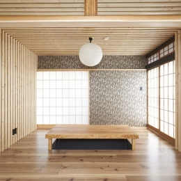 木格子で叶える、温もりとモダンデザインの融合 (リビング1)