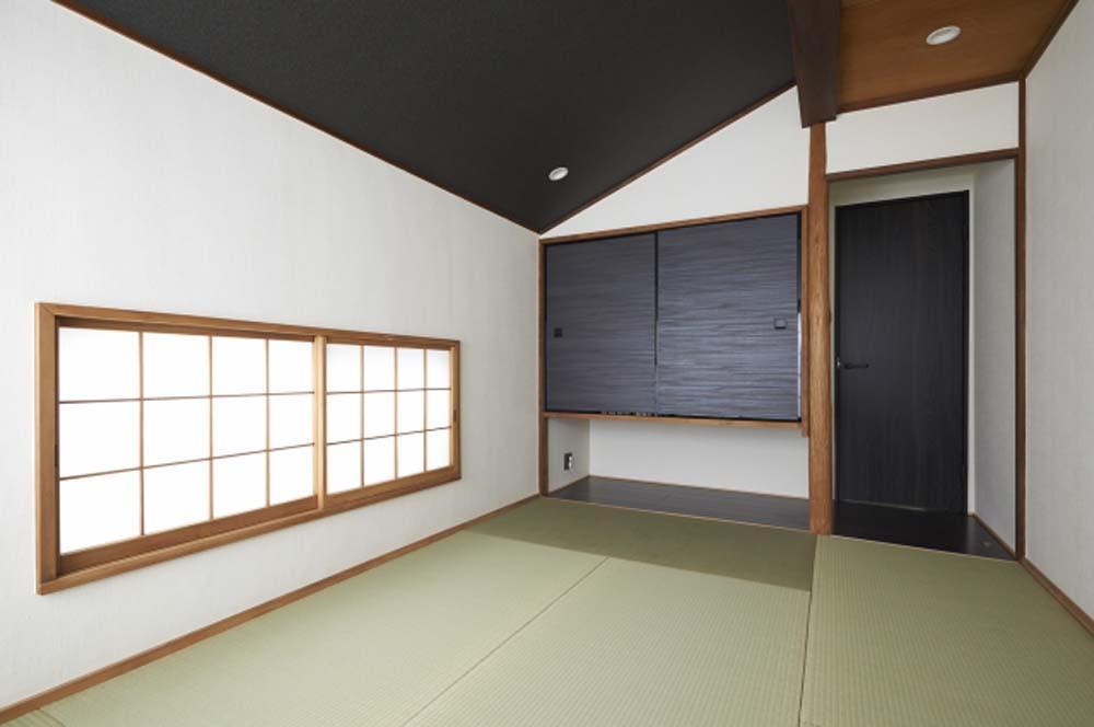 木格子で叶える、温もりとモダンデザインの融合の部屋 和室