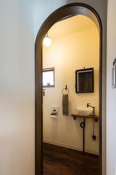 トイレ (築50年の家を更に50年住める家に)