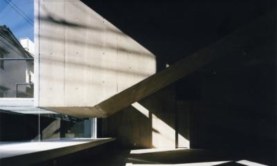 神宮前の複合ビル (外観)