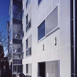 カーサ・フォレスタ (コンクリート打ちっぱなしの外観(撮影:Katsuaki Furudate))