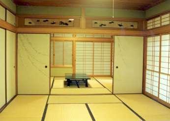 坂東邸の部屋 和室10帖より和室8帖を望む