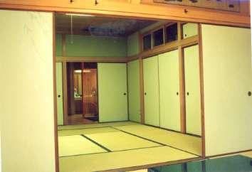坂東邸の部屋 和室8帖より和室10帖を望む