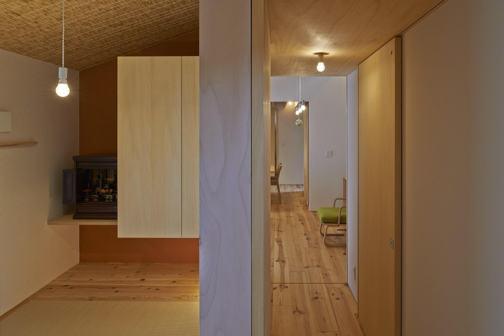 ホソナガハウス (和室、廊下)