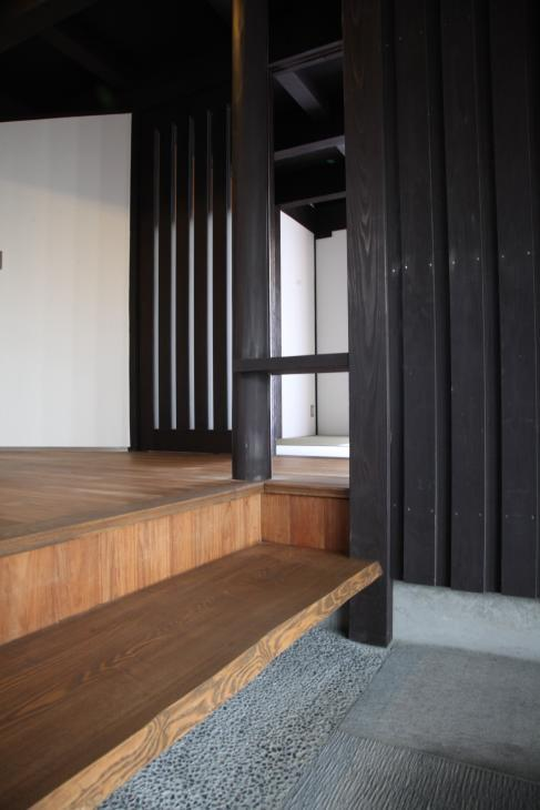 木更津の家 (玄関-段差部)