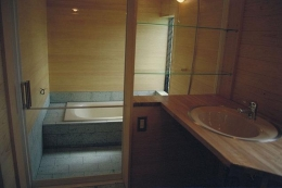稲荷木の家 (浴室)