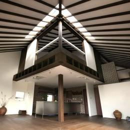 大屋根の家 (開放的なLDK)