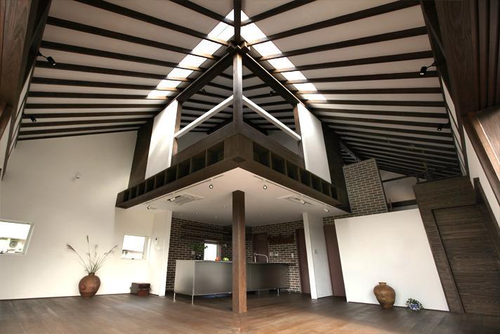 開放的なLDK (大屋根の家)