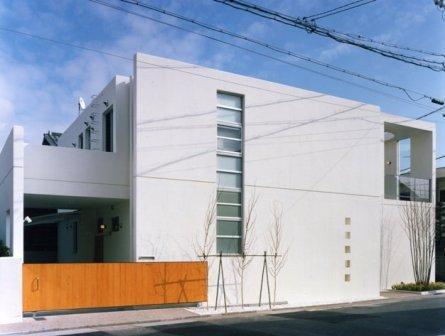 Takada-Cho BOXの部屋 コンクリート打ちっぱなしの外観