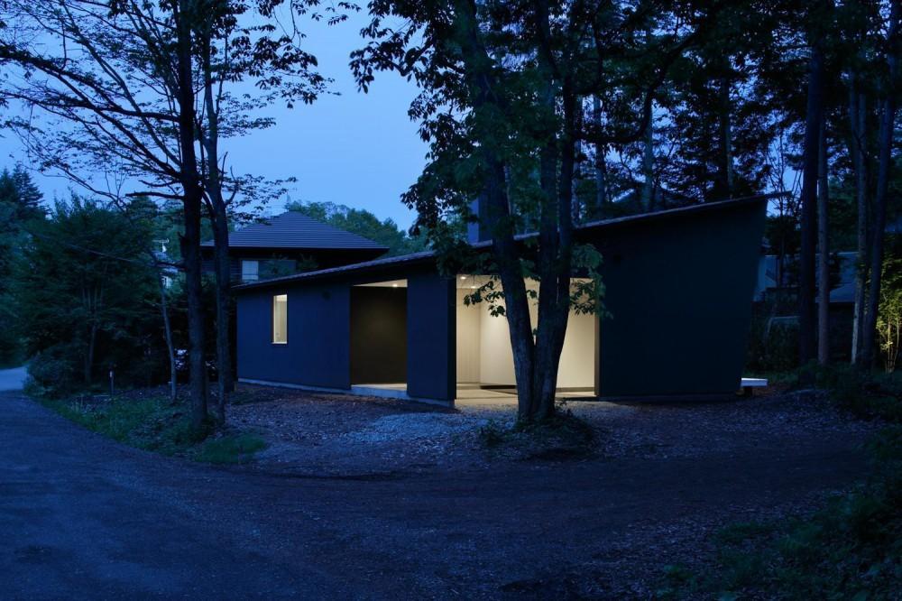 036軽井沢Kさんの家 (外観夕景)
