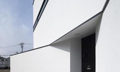 ハコノオウチ06・屋上バルコニーのある家 (玄関アプローチ)