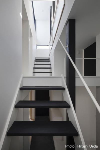 階段 (ハコノオウチ06・屋上バルコニーのある家)