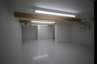 床下収納 (ハコノオウチ06・屋上バルコニーのある家)