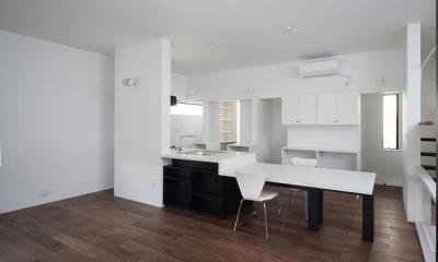 製作キッチン|ハコノオウチ06・屋上バルコニーのある家