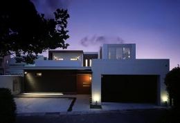 N邸 (外観−夜景1)
