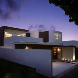N邸 (外観-夜景2)