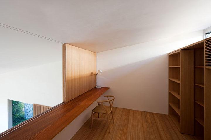 書斎事例:2階ワークスペース(壁層の家)