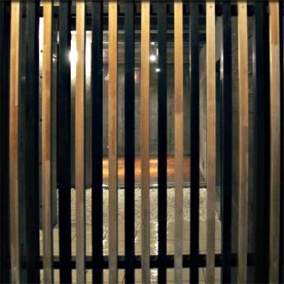 格子の玄関 (乾御門の見える家)
