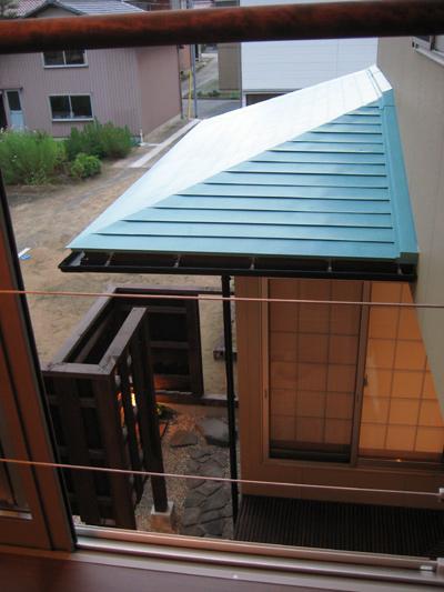 田園に建つ町屋の写真 2階から眺める和室