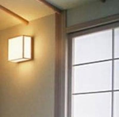 和室の照明 (宮崎の家)