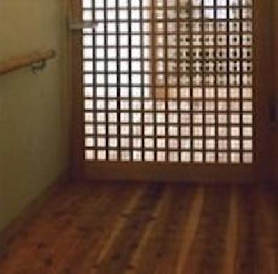 宮崎の家 (格子ドア)