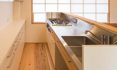 キッチン・バックカウンター|高台寺の家