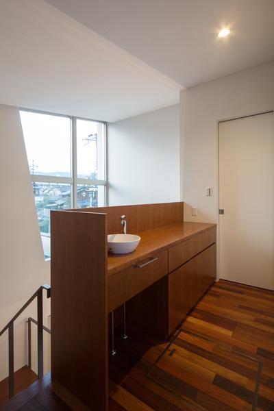 二階手洗い (Quartz)