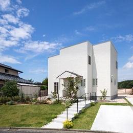 住宅作品1 (白い外観(撮影:石井紀久))