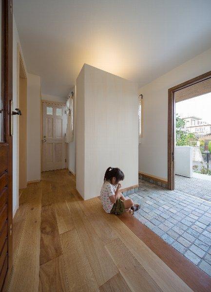 住宅作品1の部屋 玄関(撮影:石井紀久)