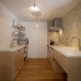 住宅作品1-ナチュラルなキッチン(撮影:石井紀久)