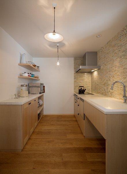住宅作品1の部屋 ナチュラルなキッチン(撮影:石井紀久)