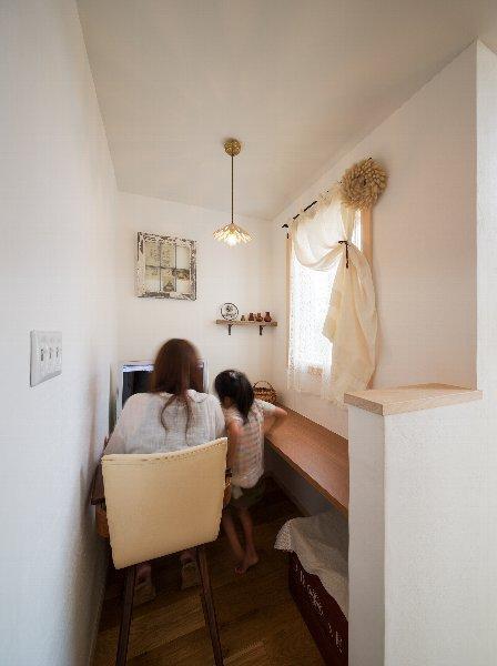 住宅作品1の部屋 パソコンスペース(撮影:石井紀久)