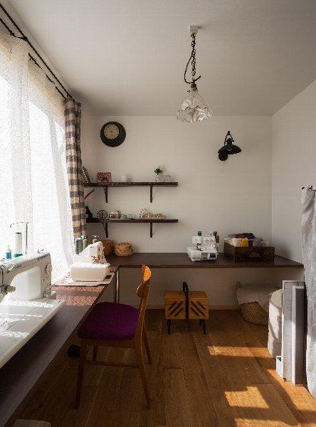 住宅作品1の部屋 ソーイングルーム(撮影:石井紀久)