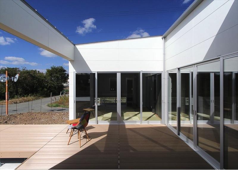 K4-Houseの部屋 光をとりこむテラス