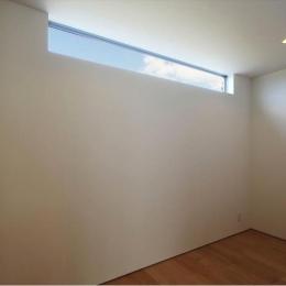 光の集まるベッドルーム (K4-House)