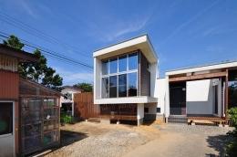 floating living-room house (外観)