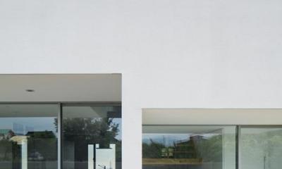 『ループ&ループ』建具の開閉によって行き止まりをつくらない (外観-背面(撮影:Makoto Yasuda))