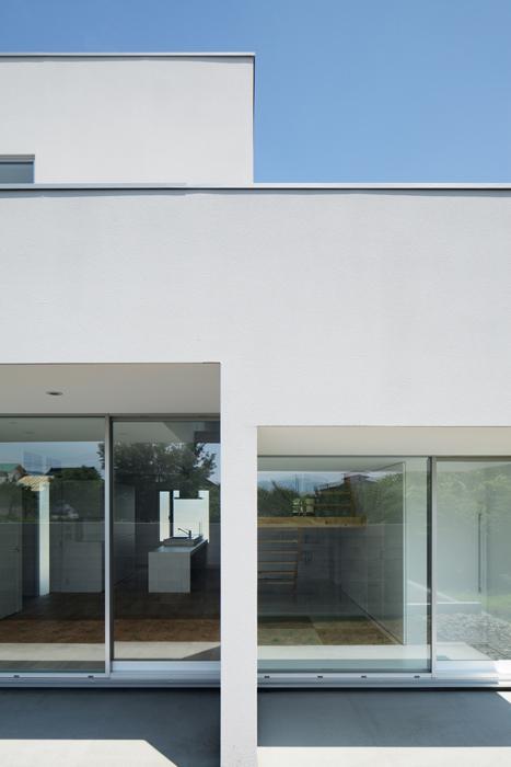 ループ&ループ_戸建住宅の部屋 外観-背面(撮影:Makoto Yasuda)