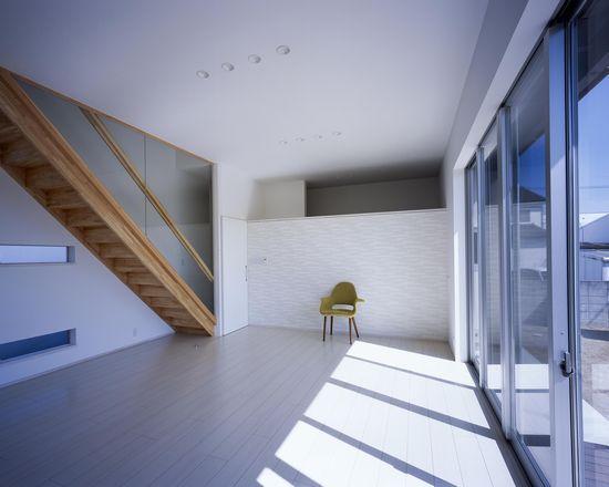 倉敷の家の写真 明るいリビング(撮影:野村和慎)
