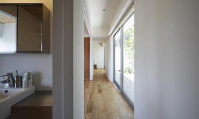 草津のコートハウス (廊下)