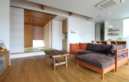 宇ノ気町の家 (リビング・和室-1)