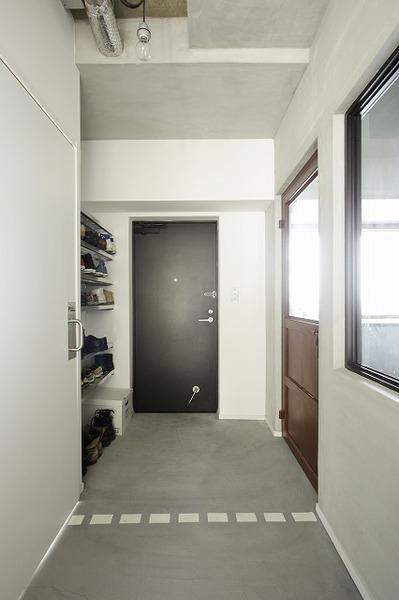 ラフ&シンプル (玄関)