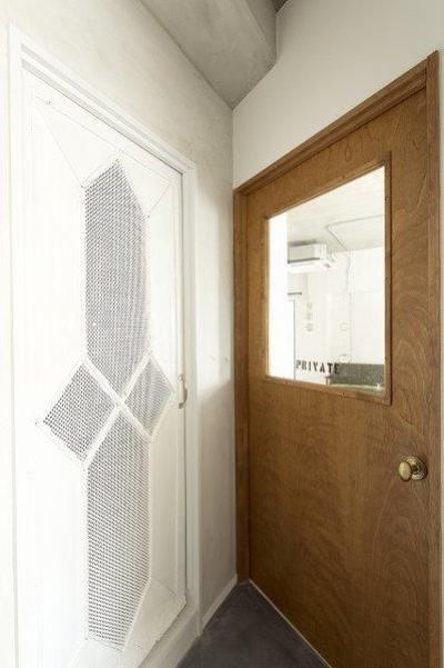 ラフ&シンプル (洗面室のドア・リビングのドア)