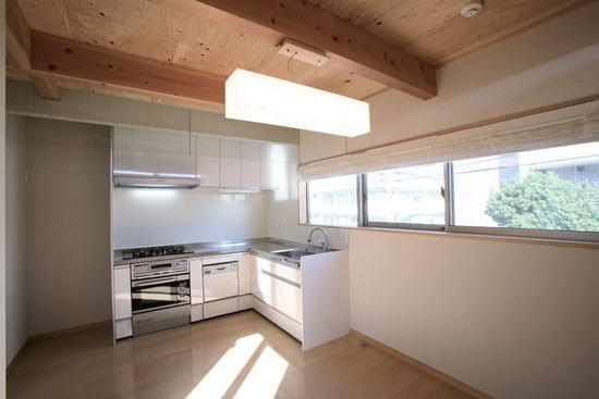 光と風の家の部屋 ダイニングキッチン(撮影:川北晋夢)