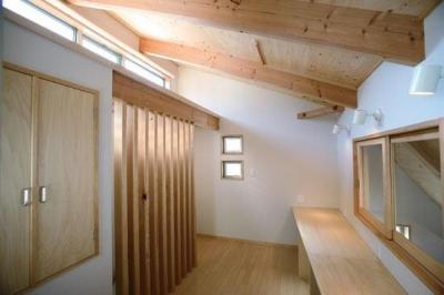 3階勉強コーナー1(撮影:川北晋夢) (光と風の家)