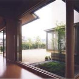 坪庭 (安達邸)